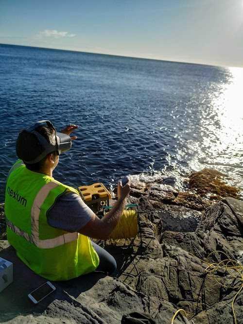 operario calibrando el ROV